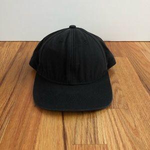 Black baseball hat